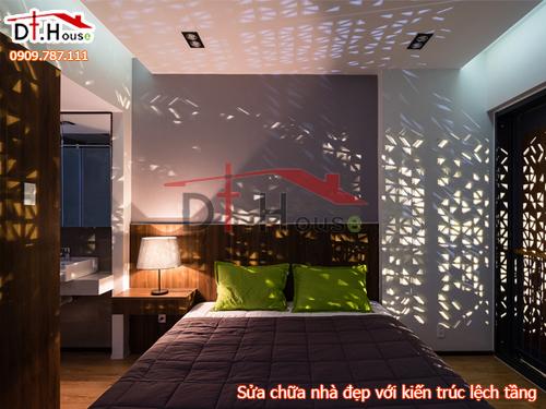 Sửa chữa nhà bằng kiến trúc xây lệch tầng lấy ánh sáng khắp nhà